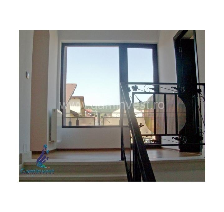 In affitto villa a cluj napoca cluj romania for Piani duplex con garage in mezzo