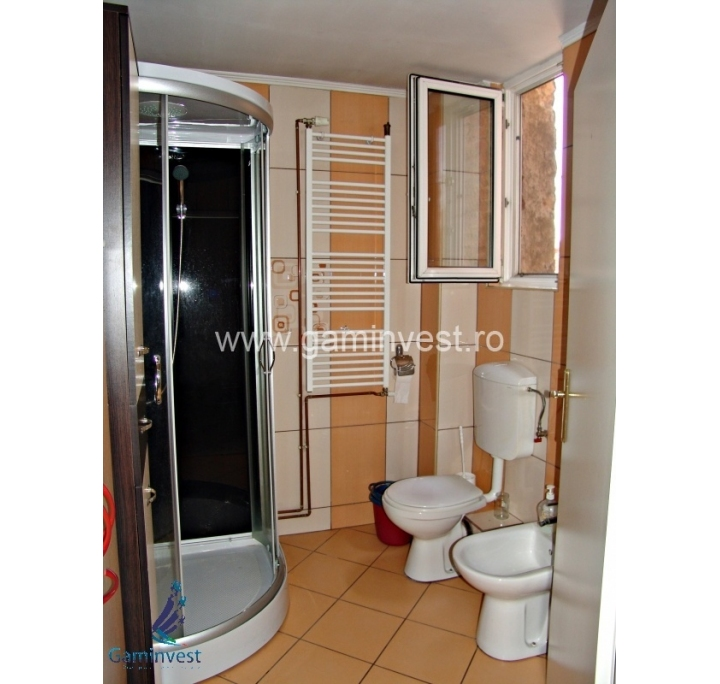 Appartamento con 3 camere da letto in vendita oradea for Appartamento con 3 camere da letto nel seminterrato