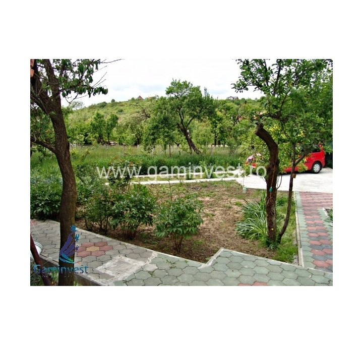 In vendita casa con terreno vicino a oradea bihor romania for Casa con 6 camere da letto in vendita vicino a me