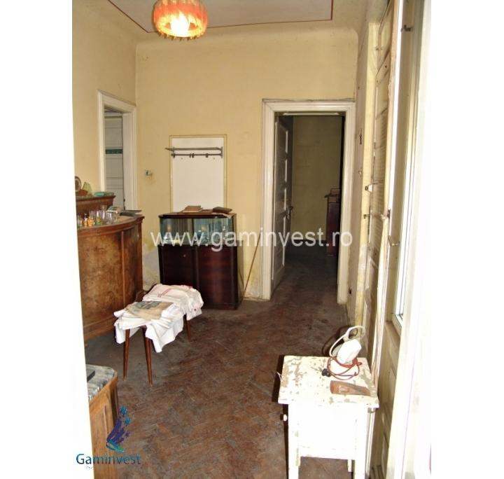 Si vende appartamento 2 camera semi centrale oradea for Casa con 6 camere da letto in vendita vicino a me