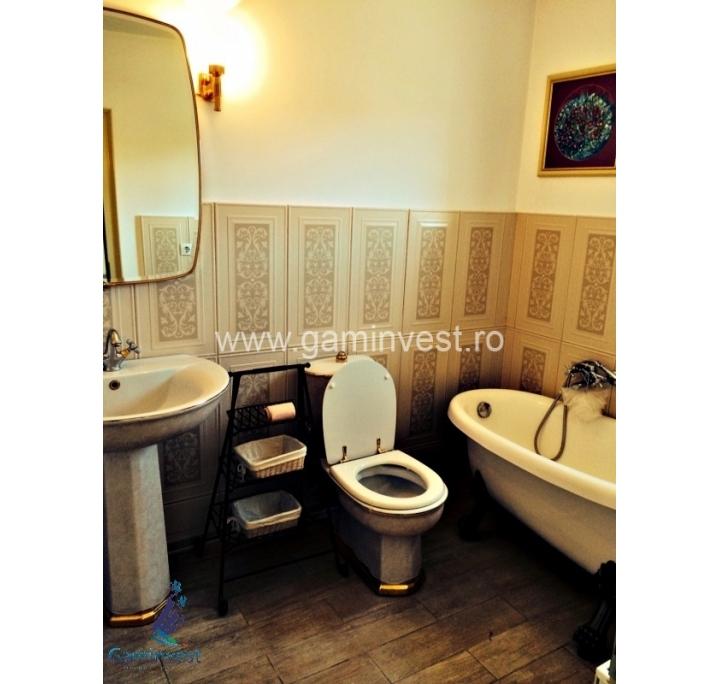 In affitto casa 3 camere da letto nel quartiere europa for Case kit 4 camere da letto
